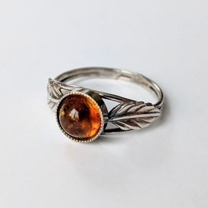 Jewelry - Silver Tone And Amber Ring With Leaf Motif